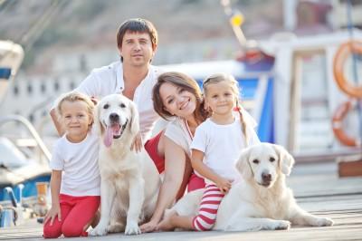 Familie Wasser Hund