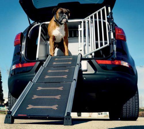 hunderampe f r erleichterten einstieg ins auto. Black Bedroom Furniture Sets. Home Design Ideas