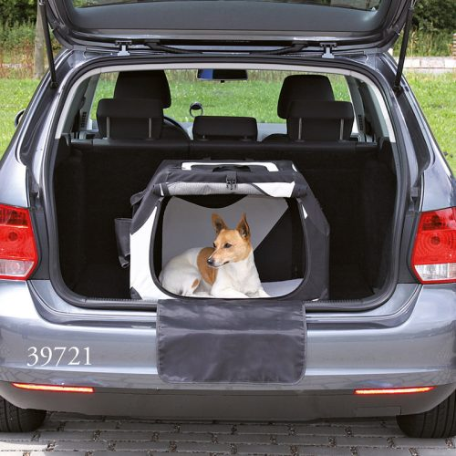 transportbox f r hunde sicher unterwegs im auto. Black Bedroom Furniture Sets. Home Design Ideas