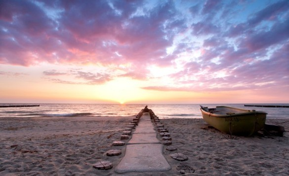 Strand_Meer_Boot-585x390