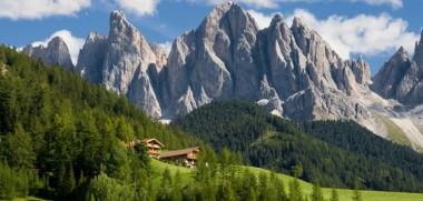 Artikelbild_Oesterreich_Tirol_Berge_Tal_Sonne-780x356