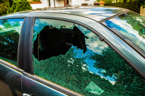 Smashed window in car iStock_000042248320_Large-2